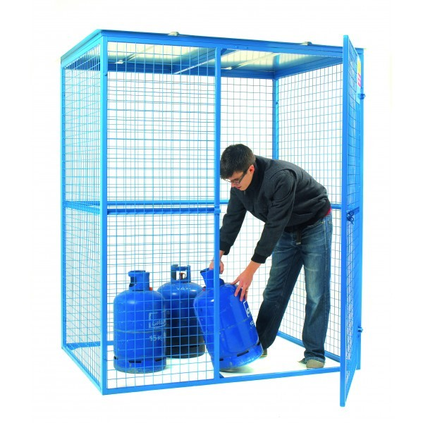 Large Lock Up Cage